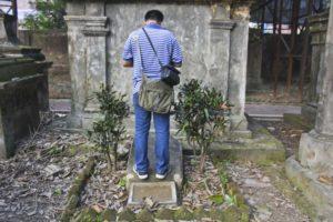 Grave of Walter Savage Landor Dickens